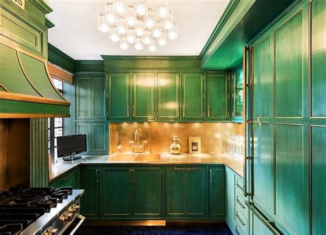 emerald green kitchen the cook s kitchen contrasts emerald green cabinets and 3561