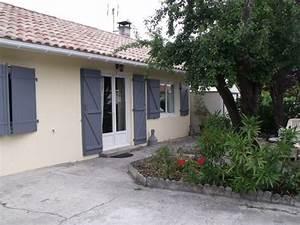 facade maison avec volets gris atlubcom With exceptionnel couleur moderne pour salon 6 fenetre alu fenetre pvc ou fenetre en bois