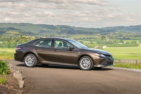 toyota camry 2018 toyota camry first drive review motor trend