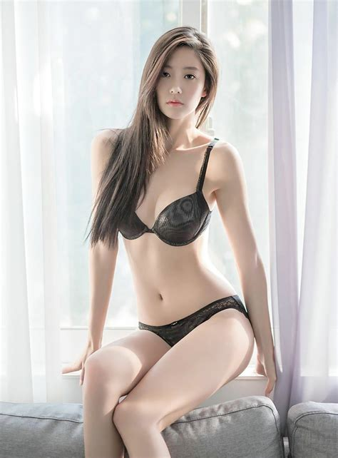 Eye Candy 12 Real Hot Pictures Of Clara Lee S Daily K Pop News