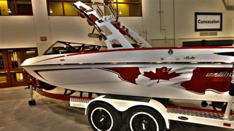 Malibu Boats Calgary by Malibu Quot Canadian Edition Quot Vlx Unveiled At The Calgary Boat