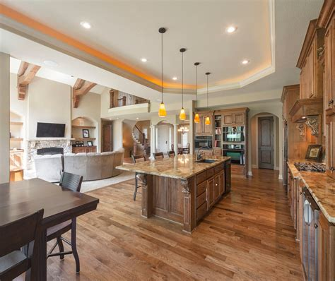 Contemporary Open Concept Kitchen For Traditional Kitchen