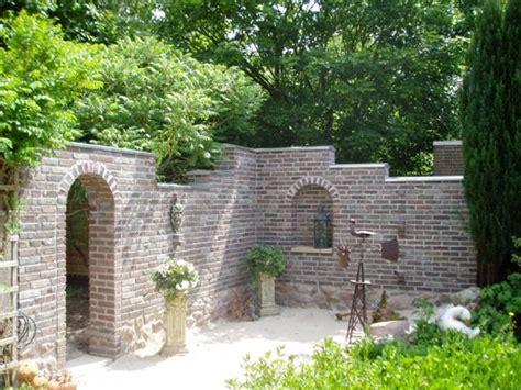 Mauer Im Garten Mauer Für Sitzecke Im Garten Selber Gestalten Garten