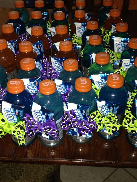 cute cheer snacks    practice gatorade bottles