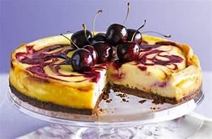 Schwarzwälder Kirschtorte Blech : kirschkuchen vom blech und noch 2 schmackhafte dessert rezepte ~ Frokenaadalensverden.com Haus und Dekorationen