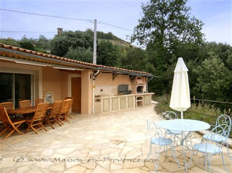 la cuisine d et villa piscine privée dans un petit vallon à l 39 abri des