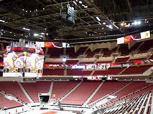 New Kfc Yum Center Arena Serving Tasty Digital Signage