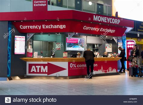 bureau de change at gatwick airport lgw stock photos lgw stock images alamy