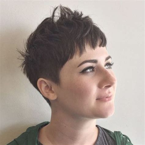 40 super cute looks with short hairstyles for round faces shorts round faces and short hairstyles
