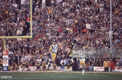 Super Bowl Xiv Pittsburgh Steelers Lynn Swann In Action