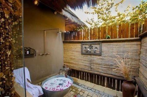 top luxurious outdoor shower ideas