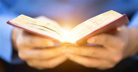 eric  barreto reading  bible  public faith