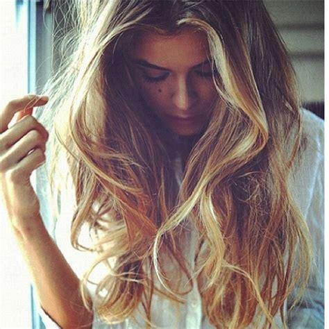 natural  wavy hair women hairstyles