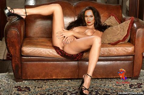 Tia Carrere Showing Her Pussy And Tits And Fucking Hard Pichunter