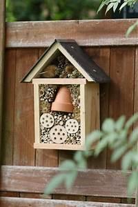 Fabriquer Un Hotel A Insecte : st phanie cr atrice d 39 h tels insectes beaux et ~ Melissatoandfro.com Idées de Décoration