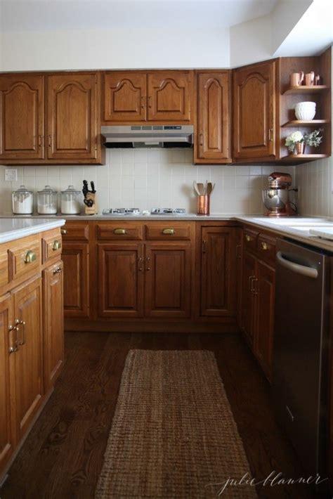 updating   kitchen  oak cabinets