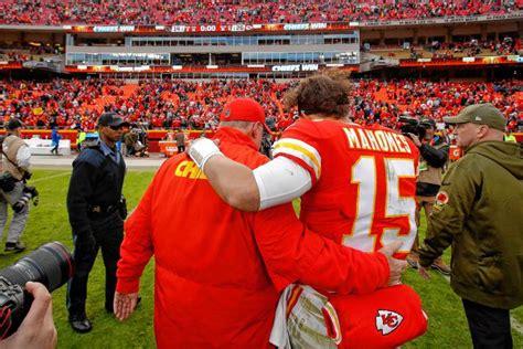 mahomess girlfriend   stepfather died  chiefs game