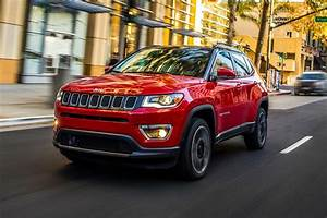 Jeep Compass Sport : 2019 jeep compass adds styling packs more features roadshow ~ Medecine-chirurgie-esthetiques.com Avis de Voitures