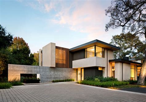 Moderne Häuser Kalifornien by This California Home Preserved The Existing Trees To