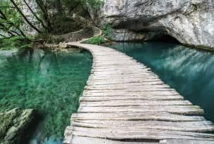 poster panoramique nature pont en bois sur l eau mint bridge