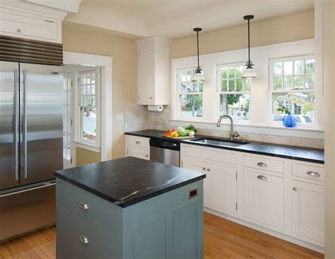 Small Kitchen Remodel by 11 Clear Signs It S Time To Remodel Your Small Kitchen