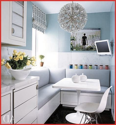 make a small room look bigger with paint what paint colors