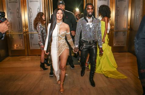 cardi b wedding date offset reportedly cheated on cardi b a month before
