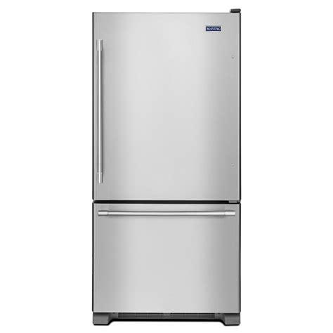 Maytag 30 in W 19 cu ft Bottom Freezer Refrigerator in