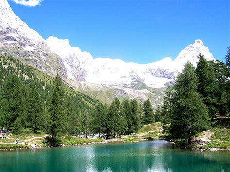 cervinia italy summer aosta breuil valley holiday paesaggio globeholidays