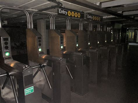 blackout hits major sections  manhattan