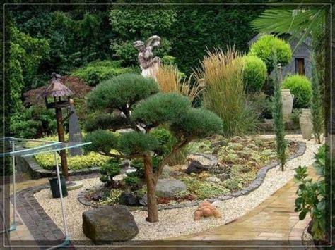 Japanischer Garten Rindenmulch beet aus steinen und rindenmulch gartengestaltung