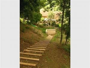 Comment Faire Des Marches Dans Un Talus : 4 terrasses pos es sur un jardin en pente ~ Melissatoandfro.com Idées de Décoration