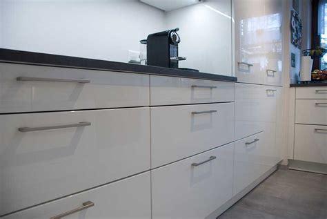 Küche Magnolie Hochglanz by K 252 Che In Hochglanz Magnolie