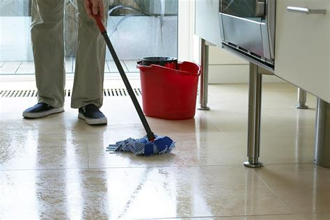 mopping floor how to mop your floor the right way