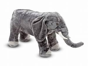 Peluche Elephant Geant : toutou g ant en peluche de melissa and doug l phant biblio rpl lt e ~ Teatrodelosmanantiales.com Idées de Décoration