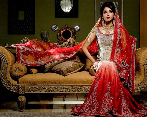 Latest Designer Indian Wedding Dress Collection For Bride
