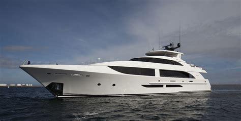 Yacht Boat by Westport 125 Raised Pilothouse Motor Yacht Wp125 38m