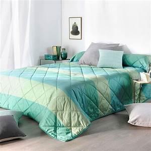 Couvre Lit Vert : couvre lit 250 x 260 cm bergame vert couvre lit boutis eminza ~ Teatrodelosmanantiales.com Idées de Décoration