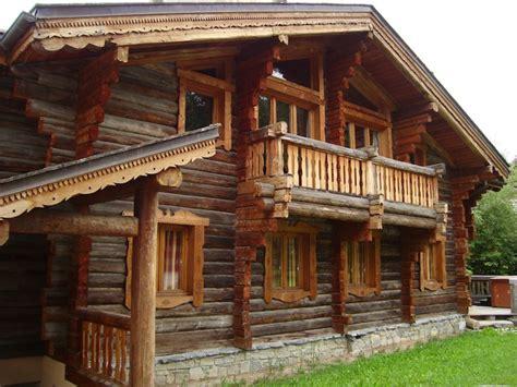 chalet en rondins de bois chalets rondins anciens sur constructeur chalet savoie