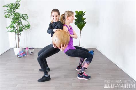 20 Starke Medizinball Übungen Fürs Krafttraining Im Wohnzimmer