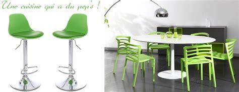 canape vert anis comment utiliser le vert en décoration miliboo