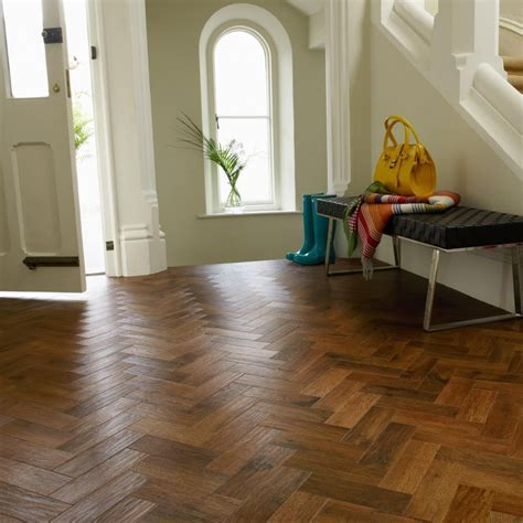 Karndean Art Select Flooring: Luxury Auburn Oak Vinyl AP02