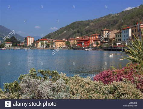 porto ceresio lago colorate in porto ceresio villaggio famoso resort per