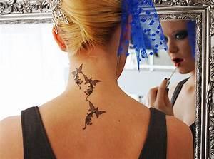 Tatouage Cou Femme Photo Tatouage Tribal Sur Le Cou D 39 Une Femme
