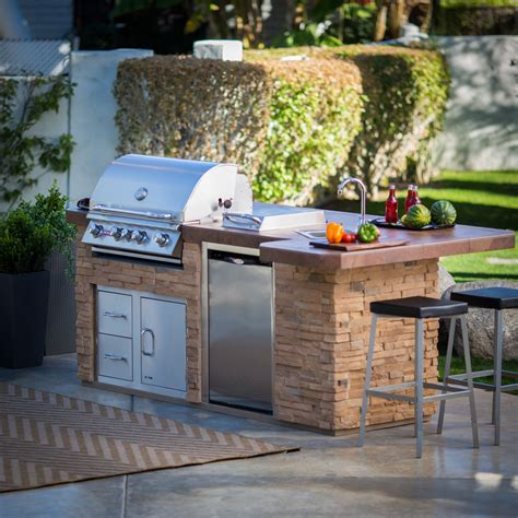 16 Examples Of Barbecue Kitchens Outdoors From Copy