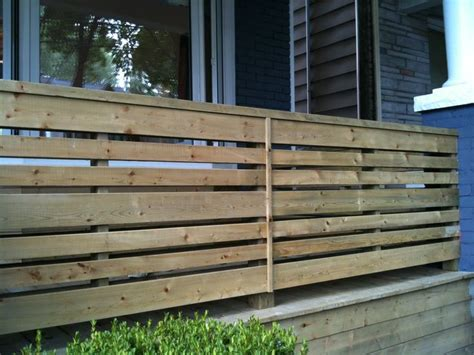 Horizontal Deck Railing Ideas by Horizontal Porch Railing Landscaping