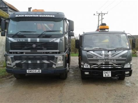volvo lorries new volvo lorry for increased deliveries black mountain
