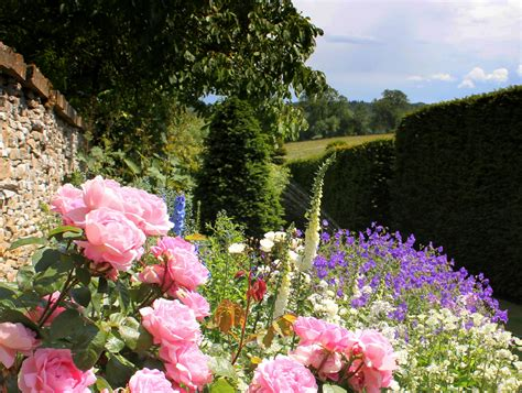 Cotswolds Exclusive With Highgrove Garden