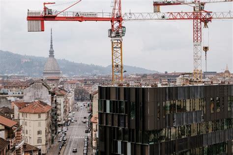 uffici sta torino la torre gli uffici la piazza con le panchine a chicco