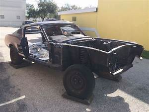 Ford Mustang Fastback 1967 Body Shell - Classic Ford Mustang 1967 for sale